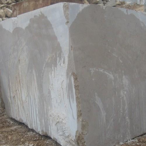 Madenden çıkarılmış mermer bloğu